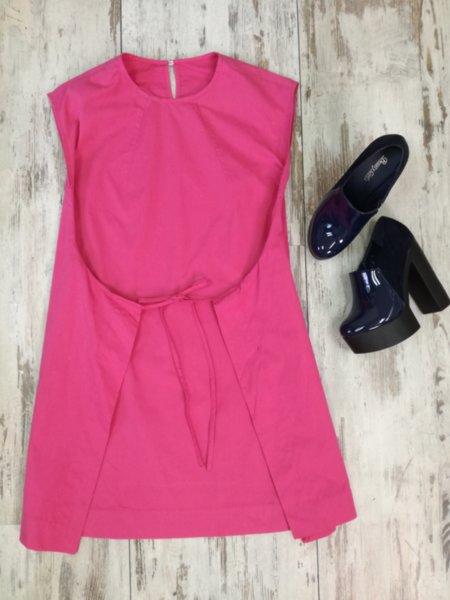 Дамска розова рокля с  връзка